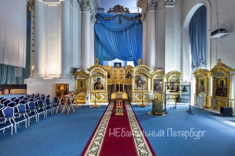 смольный собор внутри