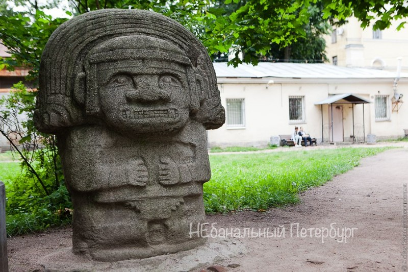 идолы на Васильевском острове